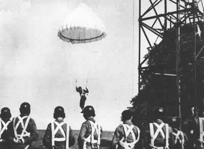 Polish Parachuters training at Lundin Links, Fife