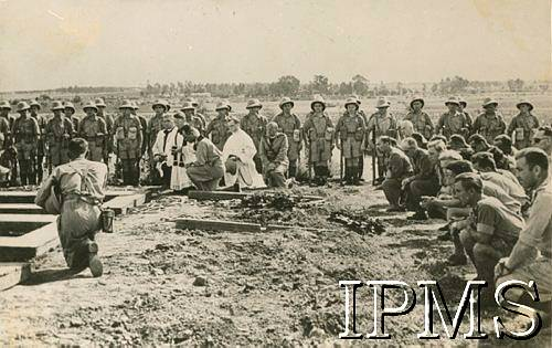 Burials at Pahlevi 1942