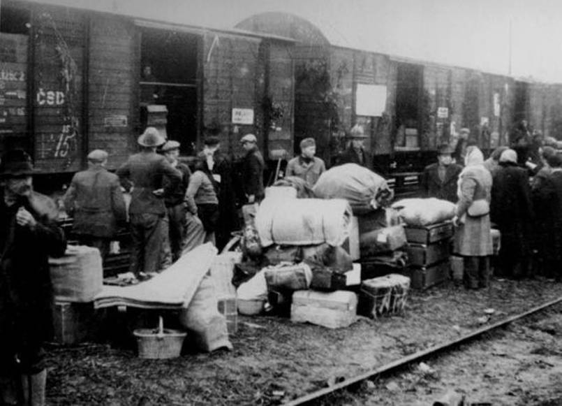 Polish People Being Deported To Siberia